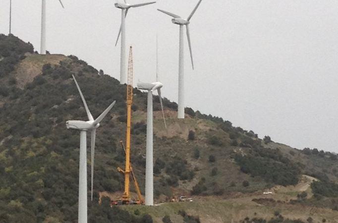 servicio de gruas sector eólico