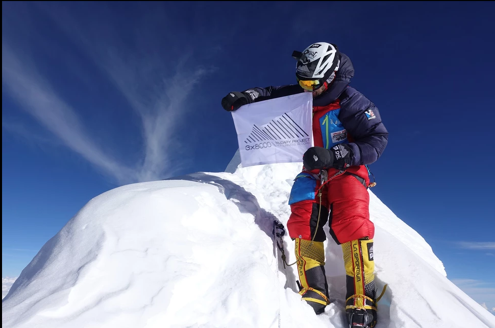 Gruas Serrat en el Himalaya